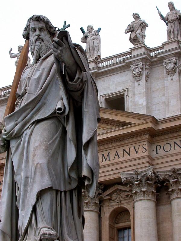 Petrus am Petersdom